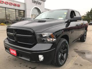 Used 2019 RAM 1500 Classic SLT Crew 4x4 V8 Blackout for sale in Hamilton, ON
