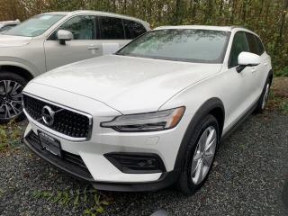 Used 2019 Volvo V60 Cross Country T5 AWD Momentum for sale in Surrey, BC