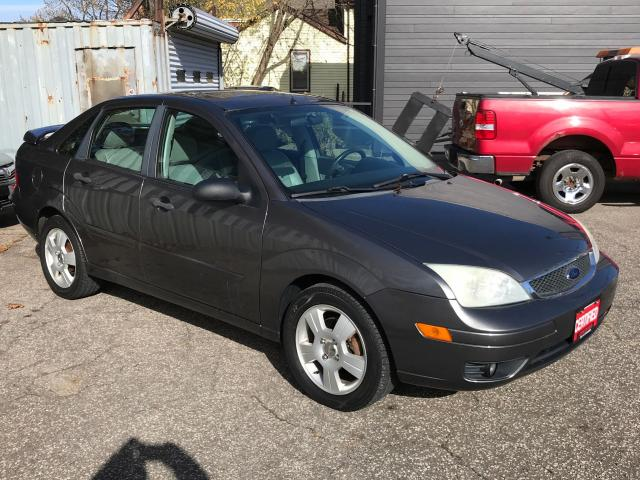 2007 Ford Focus ZX4 SES ** HTD LEATH, SUNROOF **