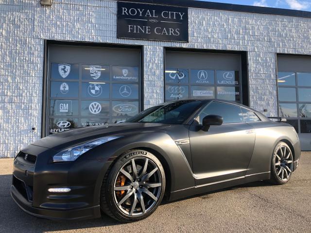 2013 Nissan GT-R Premium New Brakes & Wrap Clean Carfax