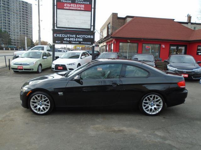2009 BMW 3 Series 328i xDrive/ SPORT PKG / 6SPD/ SUPER CLEAN / AWD
