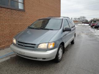 Used 2000 Toyota Sienna LE for sale in Oakville, ON