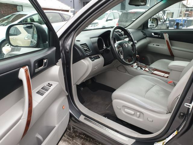 2011 Toyota Highlander LIMITED  Photo9
