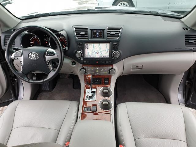 2011 Toyota Highlander LIMITED  Photo12