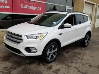 Used 2018 Ford Escape SEL 4WD / Panoramic Sunroof / GPS Navigation for sale in Edmonton, AB