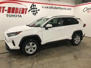 Used 2019 Toyota RAV4 AWD Hybrid LE for sale in St-Hubert, QC