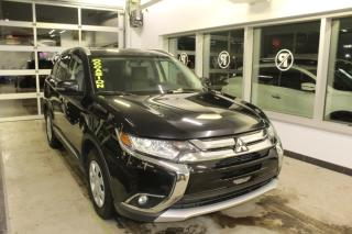 Used 2016 Mitsubishi Outlander SE TOURING AWC TOIT CAMÉRA MAIN LIBRE for sale in Lévis, QC