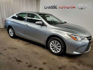 Used 2017 Toyota Camry LE for sale in Montréal, QC