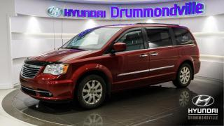 Used 2011 Chrysler Town & Country LIMITED + GARANTIE + CUIR + DVD + TOIT ! for sale in Drummondville, QC