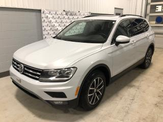 Used 2018 Volkswagen Tiguan COMFORTLINE 4MOTION + TOIT +  7 PLACES ( for sale in Chicoutimi, QC