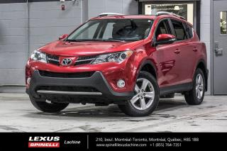Used 2014 Toyota RAV4 XLE AUTO FWD; TOIT CAMERA BLUETOOTH MAGS TRACTION AVANT - TOIT-OUVRANT - SIÈGES AVANT CHAUFFANT - CAMÉRA DE RECUL - BLUETOOTH - MAGS 17'' for sale in Lachine, QC