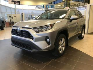 Used 2020 Toyota RAV4 XLE AWD *Pneus d'hiver installés* for sale in St-Eustache, QC