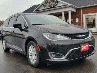 Used 2017 Chrysler Pacifica Touring-L, Leather Heated Seats, NAV, 8 Passenger, BAck Up Cam/Sensors for sale in Paris, ON