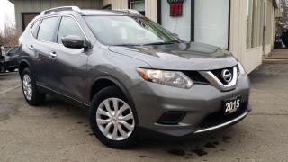 Used 2015 Nissan Rogue S AWD -BACK-UP CAM! BLUETOOTH! ONE OWNER! for sale in Kitchener, ON