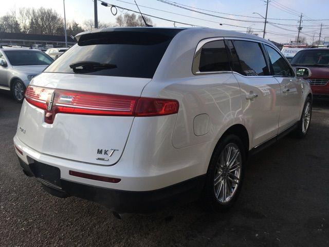2014 Lincoln MKT