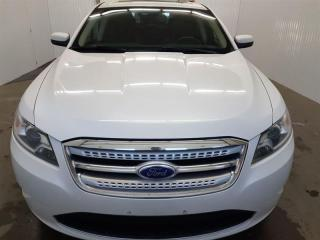 Used 2011 Ford Taurus SHO AWD GPS Toit Ouvrant Mags for sale in St-Eustache, QC