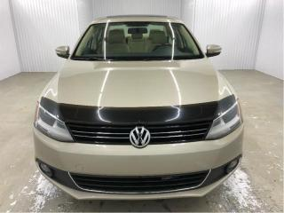 Used 2013 Volkswagen Jetta Highline 2.5 Cuir Toit MAGS *Bas Kilométrage* for sale in St-Eustache, QC