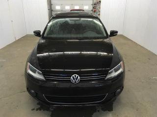 Used 2014 Volkswagen Jetta Comfortline Tdi Toit MAGS *Bas Kilométrage* for sale in St-Eustache, QC