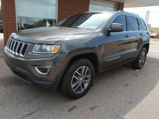 Used 2015 Jeep Grand Cherokee Laredo for sale in Chicoutimi, QC
