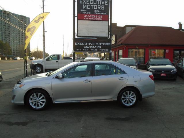 2012 Toyota Camry XLE/ MINT CONDITION / ALLOYS / NAV /REAR CAM /