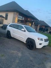 Used 2014 Jeep Grand Cherokee 4WD 4Dr Laredo for sale in St-Thomas, QC