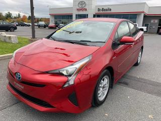 Used 2017 Toyota Prius MAGS SIEGES CHAUFFANTS CAMERA RECUL BLUETOOTH for sale in St-Basile-le-Grand, QC