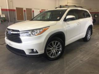 Used 2015 Toyota Highlander XLE AWD GrA *TOIT + MAGS + NAVIGATION* for sale in Richmond, QC