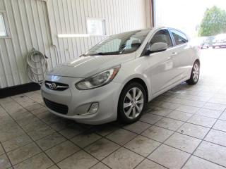 Used 2013 Hyundai Accent 4dr Sdn for sale in Trois-Rivières, QC