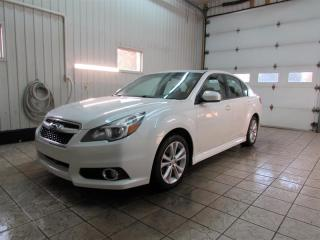Used 2014 Subaru Legacy 4DR SDN 2.5I W for sale in Trois-Rivières, QC