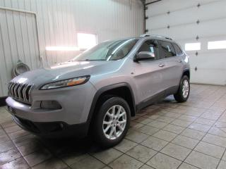Used 2014 Jeep Cherokee AWD 4DR NORTH for sale in Trois-Rivières, QC