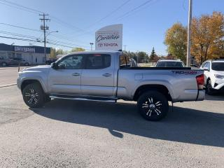 Used 2017 Toyota Tacoma AWD DOUBLE CAB V6 for sale in St-Félicien, QC