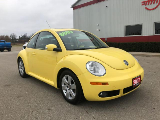 2007 Volkswagen New Beetle 2.5L Leather/Sunroof/Low kms!