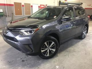 Used 2018 Toyota RAV4 LE FWD Gr:B *CAMÉRA + SIÈGES CHAUFFANTS* for sale in Richmond, QC
