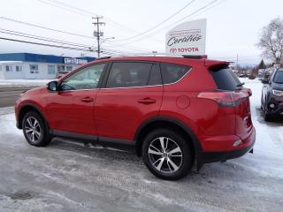 Used 2016 Toyota RAV4 Traction intégrale 4 portes XLE for sale in St-Félicien, QC