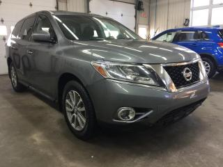 Used 2015 Nissan Pathfinder 4WD S for sale in Boischatel, QC