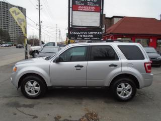 Used 2011 Ford Escape XLT / AWD / LEATHER / ALLOYS / CLEAN / NO ACCIDENT for sale in Scarborough, ON