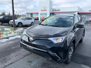 Used 2017 Toyota RAV4 LE SIEGES CHAUFFANTS CAMERA RECUL BLUETOOTH for sale in St-Basile-le-Grand, QC