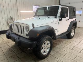 Used 2012 Jeep Wrangler 4 RM 2 portes Sport for sale in Trois-Rivières, QC