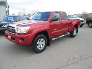 Used 2010 Toyota Tacoma SR5 Access Cab 4X4 for sale in Hamilton, ON