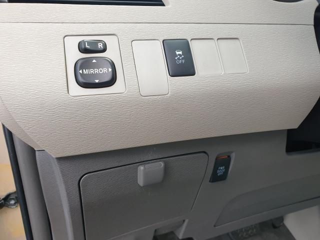 2012 Toyota Sienna LE Photo10