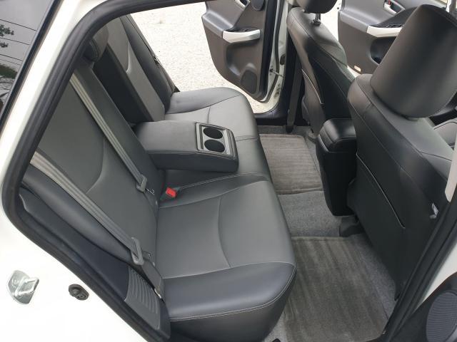2014 Toyota Prius  Photo13