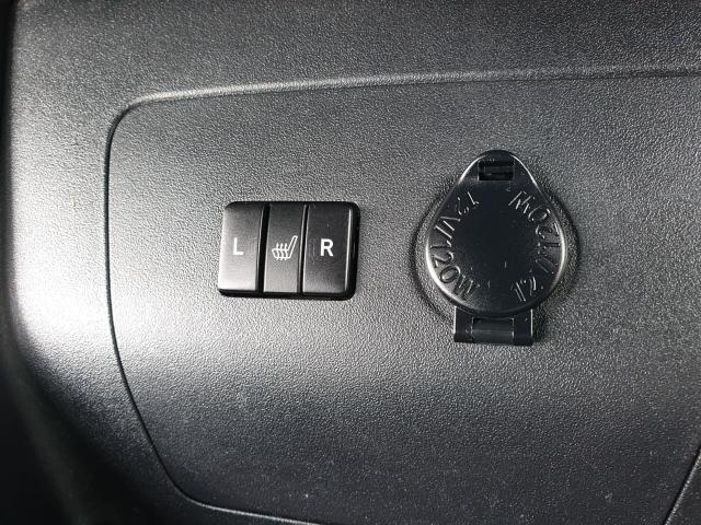 2014 Toyota Prius  Photo22