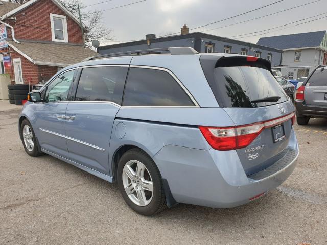 2011 Honda Odyssey Touring Photo4