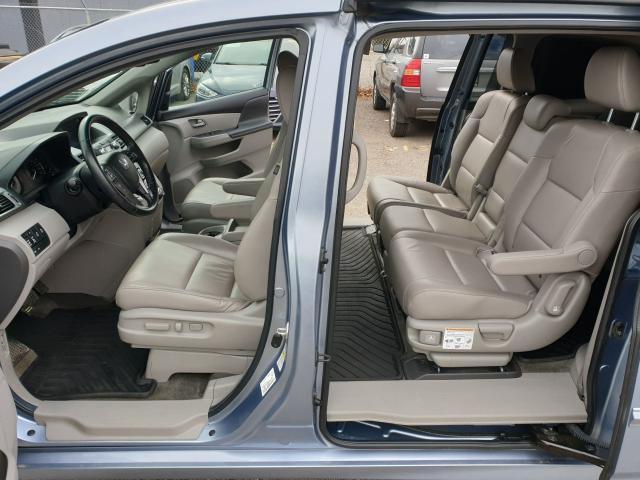 2011 Honda Odyssey Touring Photo12