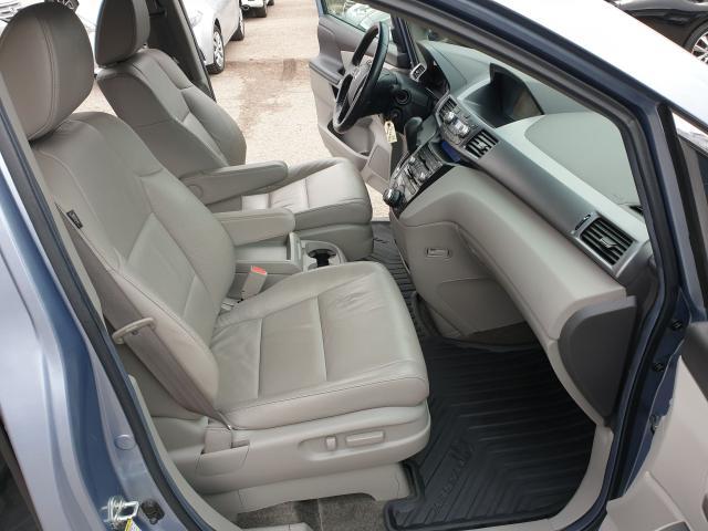 2011 Honda Odyssey Touring Photo17