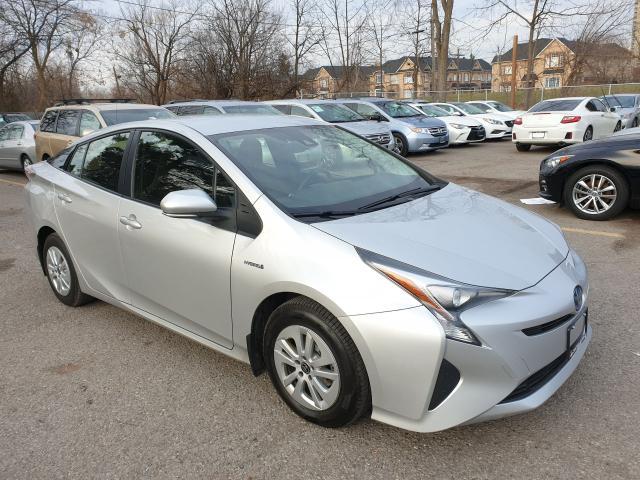 2016 Toyota Prius Two Photo3