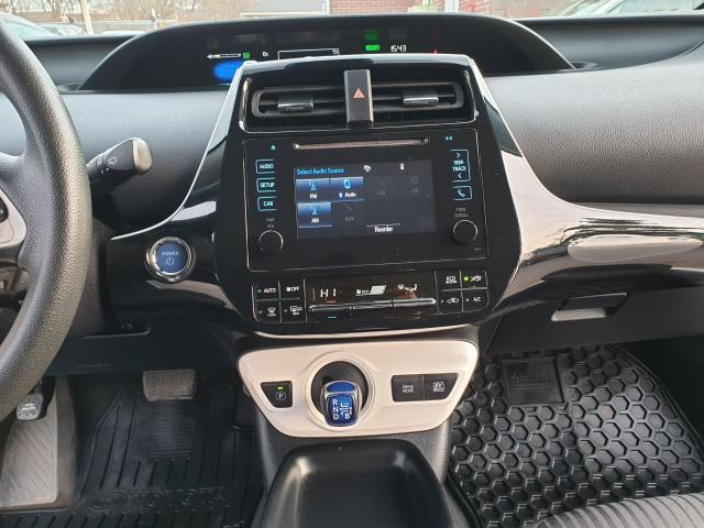 2016 Toyota Prius Two Photo11