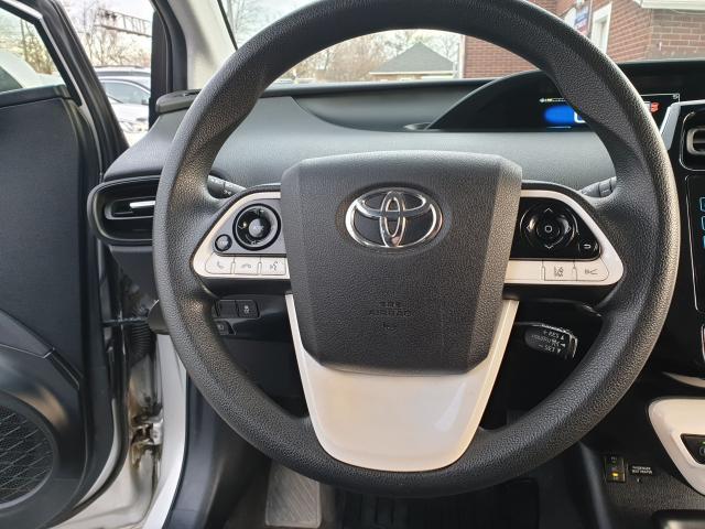2016 Toyota Prius Two Photo12
