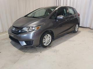 Used 2015 Honda Fit LX à hayon 5 portes CVT for sale in Sherbrooke, QC