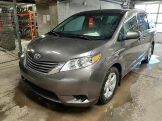 Used 2017 Toyota Sienna LE 5 portes for sale in Québec, QC